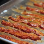Bacon frito sin salpicaduras de grasa