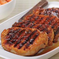 Chuletas.de.cerdo.a.la.parrilla.con.salsa.de.ciruela.