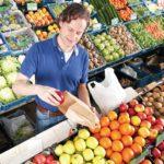 Cómo elegir frutas y verduras cuando va al mercado