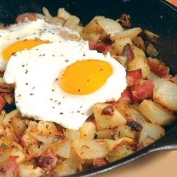 Corn.beef.con.papas.y.huevos