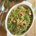 Espaguetis.con.pesto.de.cilantro.y.camarones