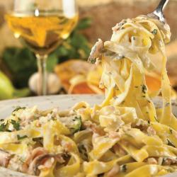 Fettuccini.en.salsa.de.almejas
