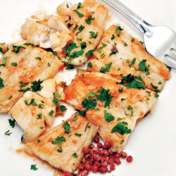 Filetes de bacalao con salsa de pimiento