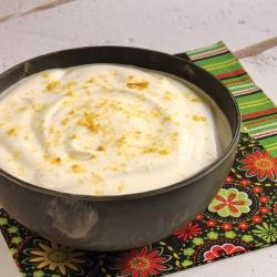 Salsa.de.yogurt.y.cebolla.caramelizada