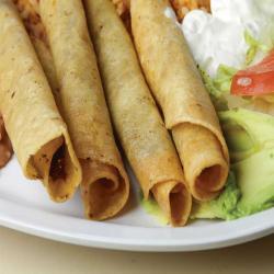 Tacos.dorados.de.pollo
